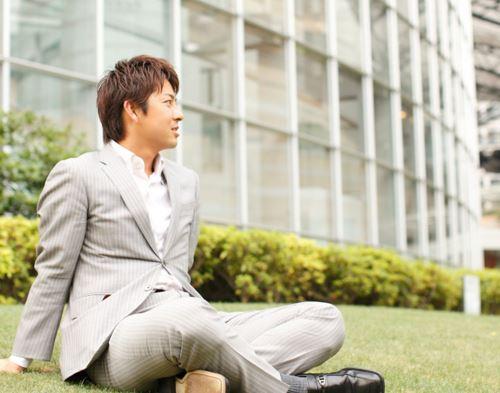 スーツが似合う富川悠太